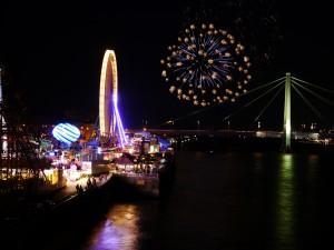 Fruejahrsvolksfest2015-Feuerwerk